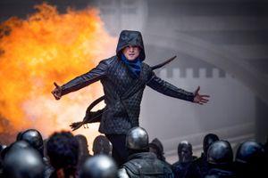 Thảo khấu 'Robin Hood' 2018 vừa ra mắt đã bị báo chí chê bai, mai mỉa