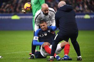 Mbappe chấn thương, Pháp thắng nhọc Uruguay 1 - 0