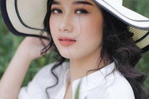 Bạn gái làm mẫu ảnh xinh như hoa của Hà Đức Chinh