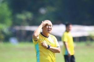 HLV Park Hang-seo 'hành xác' đội hình phụ trong nắng nóng Myanmar