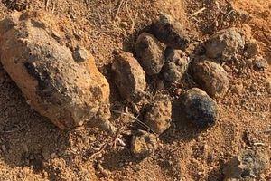 Phát hiện nhiều mìn, lựu đạn khi cải tạo vườn