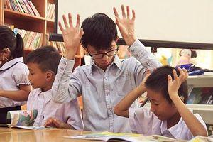 8x khiếm thính bỏ ước mơ riêng để chăm lo cho những đứa trẻ cùng cảnh