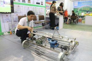 Trưng bày sản phẩm công nghệ Nông - Lâm - Ngư nghiệp tiên tiến tại Vietnam Growtech 2018