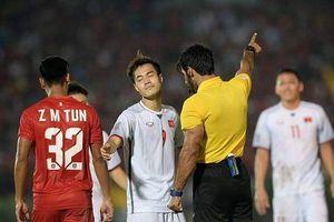 HLV Park Hang-seo: Trọng tài quá nhẹ tay với Myanmar