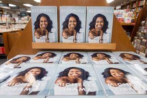 Hồi ký của Michelle Obama là cuốn sách bán chạy nhanh nhất năm 2018