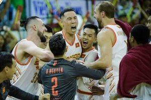Tổng kết ABL 9 tuần 1: Saigon Heat thắng nhọc, chủ nhà thay nhau thất thế