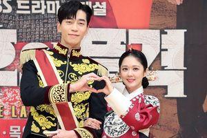Họp báo 'The Last Empress': Sau khi xem 'Vì sao đưa anh tới', Jang Nara nghĩ Shin Sung Rok là người xấu ở ngoài đời