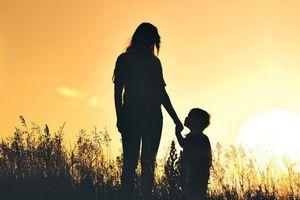 Cô gái 23 tuổi bị người tình bỏ rơi sau khi sống chung và có con