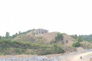 Vụ san lấp cả quả đồi để xây biệt thự 'khủng' ở Thanh Hóa: Chủ tịch xã khẳng định chưa từng phát ngôn 'vùng sâu, vùng xa xây nhà không cần xin phép'
