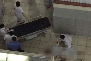 Hà Nội: Bệnh nhân nhảy từ tầng 3 xuống đất tự tử tại bệnh viện Bạch Mai