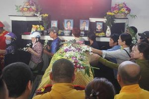 Cả gia đình thầy giáo ở Nha Trang tử vong do sạt lở: 'Thầy đã lao vào cứu hai con nhỏ'