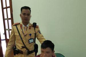 Cảnh sát giao thông Hà Nội bắt gọn tên cướp nhiễm HIV