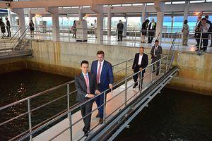 Phó Thủ hiến bang Sachsen CHLB Đức thăm nhà máy nước mặt sông Đuống