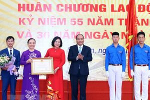 Thủ tướng Nguyễn Xuân Phúc về thăm Trường THPT Đa Phúc