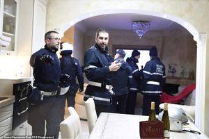 Cảnh sát Italy đột kích sào huyệt băng đảng mafia khét tiếng