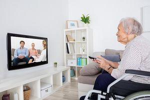 Xem tivi hơn 2 tiếng mỗi ngày dễ bị 'chết sớm'?