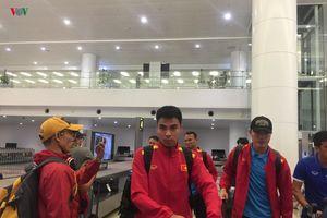 Văn Toàn nở nụ cười, ĐT Việt Nam về nước chuẩn bị cho trận gặp Campuchia