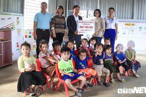 Hội Người Việt tại Nga trao 127 triệu đồng cho người dân chịu sạt lở kinh hoàng ở Lai Châu
