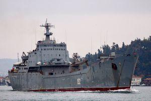Chiến hạm đổ bộ xe tăng Nga bất ngờ tới Syria, chiến trường ác liệt trở lại?
