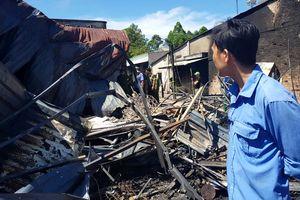 Xe bồn chở xăng cháy ở Bình Phước: 'Vợ con nó chết hết rồi'