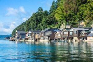 Khám phá vẻ đẹp thị trấn nổi truyền thống ở Nhật Bản