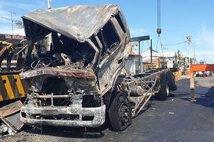 Vụ cháy xe bồn chở xăng ở Bình Phước: Tài xế đang được theo dõi đặc biệt