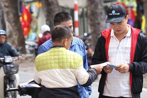 Vé 'chợ đen' cao ngất ngưởng trước trận Việt Nam - Campuchia