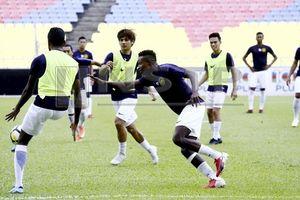Malaysia chơi bài thể lực?