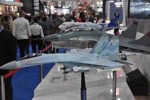 Thăm gian hàng vũ khí Việt Nam, các nước ở triển lãm IndoDefence