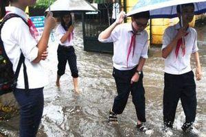 Chủ động cho học sinh nghỉ học để đảm bảo an toàn mùa mưa bão