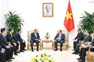 Thủ tướng Nguyễn Xuân Phúc tiếp Chủ tịch Tập đoàn Tài chính của Nhật Bản