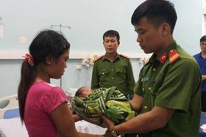 Nghệ An: Ngăn chặn kịp thời vụ mẹ bán con gái 20 ngày tuổi lấy 34 triệu đồng