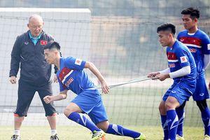 Bố của tuyển thủ Việt Nam Đình Trọng tự hào vì con trai sớm trưởng thành