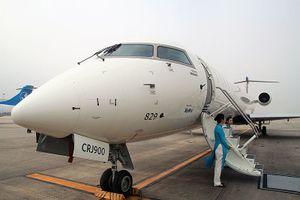 Vietnam Airlines cùng bay thử máy bay phản lực loại nhỏ của Bombardier