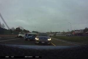Vụ tai nạn với 5 chiếc ôtô trên đường cao tốc Canada