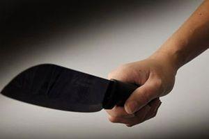 Mâu thuẫn về việc mua bán điện thoại, rút dao đâm chết người