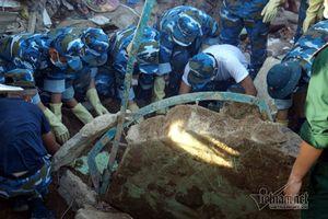 Nha Trang sạt lở: Thi thể thứ 20 kẹt cứng dưới tảng đá lớn