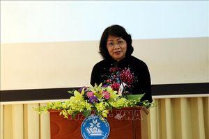 Phó Chủ tịch nước Đặng Thị Ngọc Thịnh trao tặng 50 căn nhà tình nghĩa cho các gia đình khó khăn