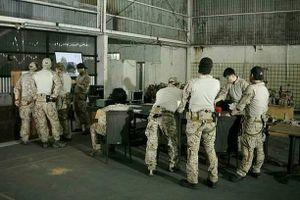 Lộ ảnh đặc nhiệm Mỹ bàn chiến thuật trước khi tiêu diệt bin Laden