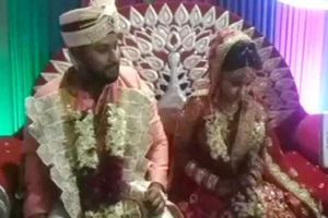 Bị bắn trên đường tới hôn lễ, chú rể vẫn tiếp tục làm đám cưới với đạn găm trên vai