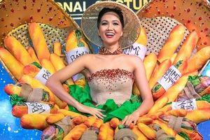 Hoa hậu H'Hen Niê diện trang phục 'bánh mì' thi Miss Universe 2018