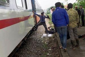 Hà Nội: Băng qua đường sắt nam thanh niên bị tàu hỏa tông tử vong
