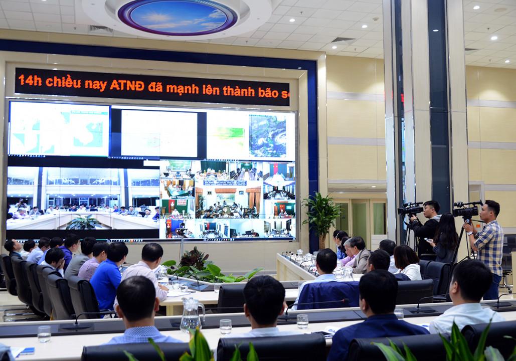 Tổng cục KTTV chỉ đạo theo dõi chặt chẽ, dự báo, cảnh báo kịp thời mọi diễn biến của bão số 9