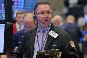 S&P 500 'hồi' điểm sau 2 ngày bán tháo