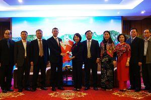 Lãnh đạo tỉnh tiếp xã giao đoàn công tác Sở Giáo dục Quảng Tây (Trung Quốc)