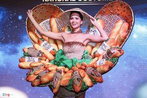 Ngắm trang phục dân tộc 'Bánh mì' cực độc đáo H'Hen Niê mang đến Miss Universe 2018