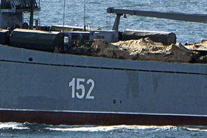 Tàu đổ bộ Nga cùng khí tài hạng nặng rầm rập tiến đến Syria