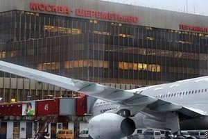 Thanh niên thiệt mạng vì lao ra đường băng lúc máy bay cất cánh