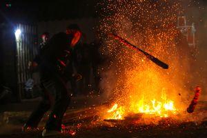 Tưng bừng lễ Nhảy lửa của dân tộc Dao đỏ tại Điện Biên