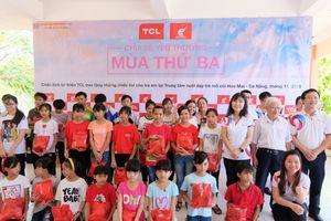 TCL trao tặng tivi cho trường mồ côi và trẻ tự kỷ nhân ngày Nhà giáo Việt Nam